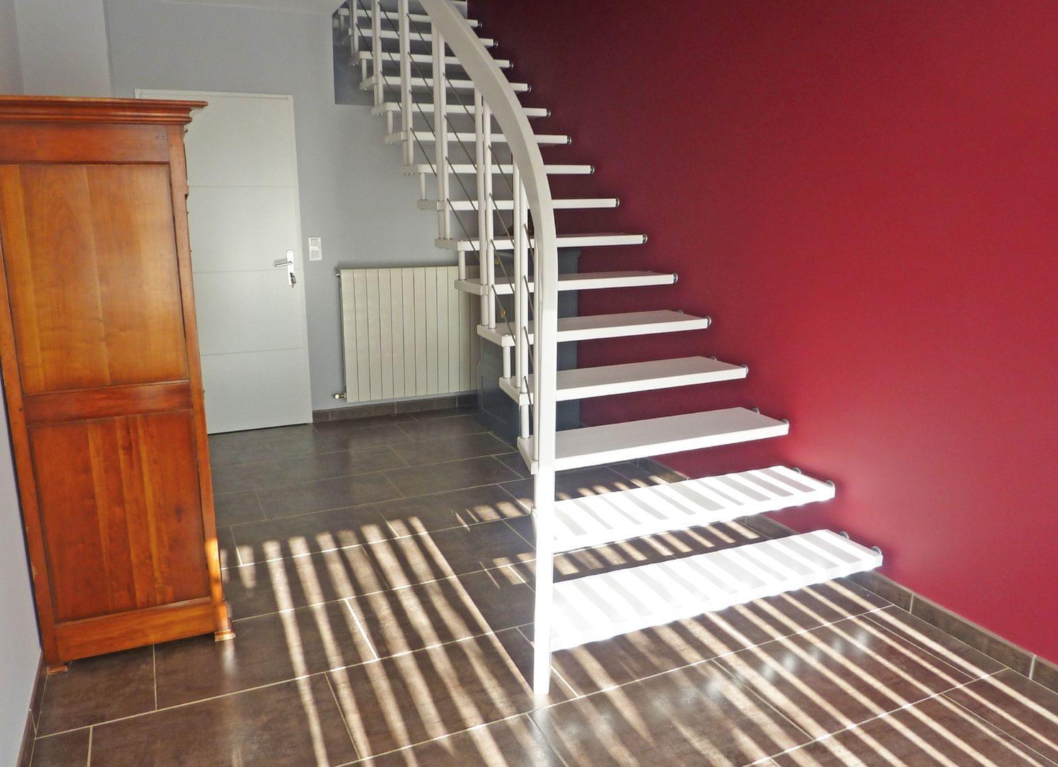 Escalier contemporain en bois modèle Stella par AFB TREPPENMEISTER